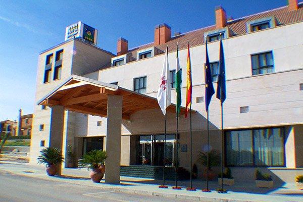 Jornada sobre novedades y ventajas legales, fiscales y laborales en Antequera, Alcázar Abogados - Expertos reestructuraciones empresariales o societarias.