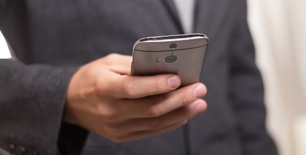 ¿Revocación de poderes a través de un SMS de movil?, Alcázar Abogados - Expertos reestructuraciones empresariales o societarias.