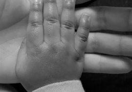Entrada en vigor de la ampliación del permiso por paternidad a 4 semanas, Alcázar Abogados - Expertos reestructuraciones empresariales o societarias.
