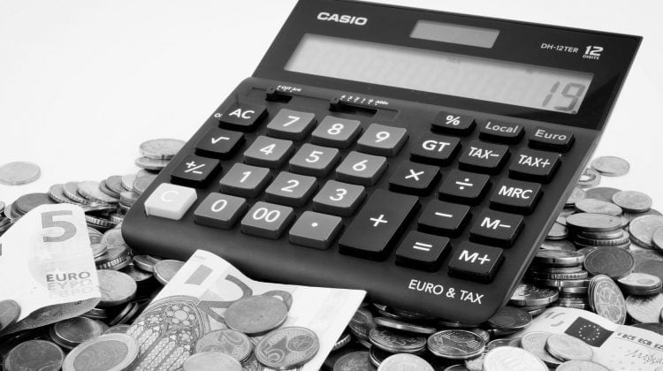 Solución definitiva a la devolución de las cláusulas suelo, Alcázar Abogados - Expertos reestructuraciones empresariales o societarias.