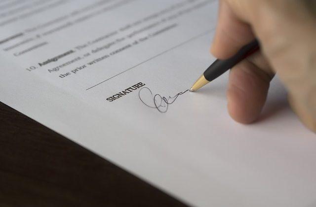 Falsedades documentales en Derecho Penal, Alcázar Abogados - Expertos reestructuraciones empresariales o societarias.