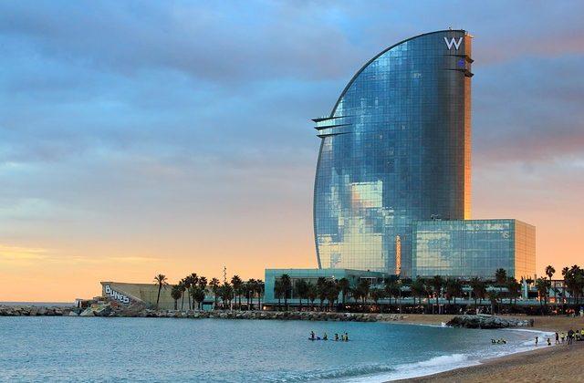 """""""Golden Visa"""", o cómo residir y trabajar en España a través de una inversión significativa, Alcázar Abogados - Expertos reestructuraciones empresariales o societarias."""