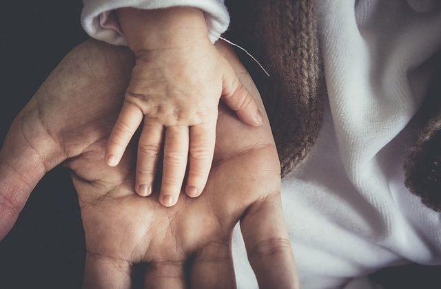 Últimas novedades laborales: nuevas obligaciones empresariales y ampliación del permiso de paternidad, Alcázar Abogados - Expertos reestructuraciones empresariales o societarias.