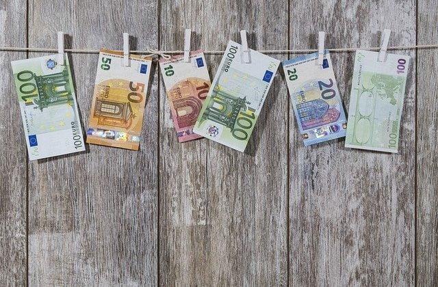 Los prestadores de servicios a terceros y sus obligaciones en materia de prevención de blanqueo de capitales, Alcázar Abogados - Expertos reestructuraciones empresariales o societarias.