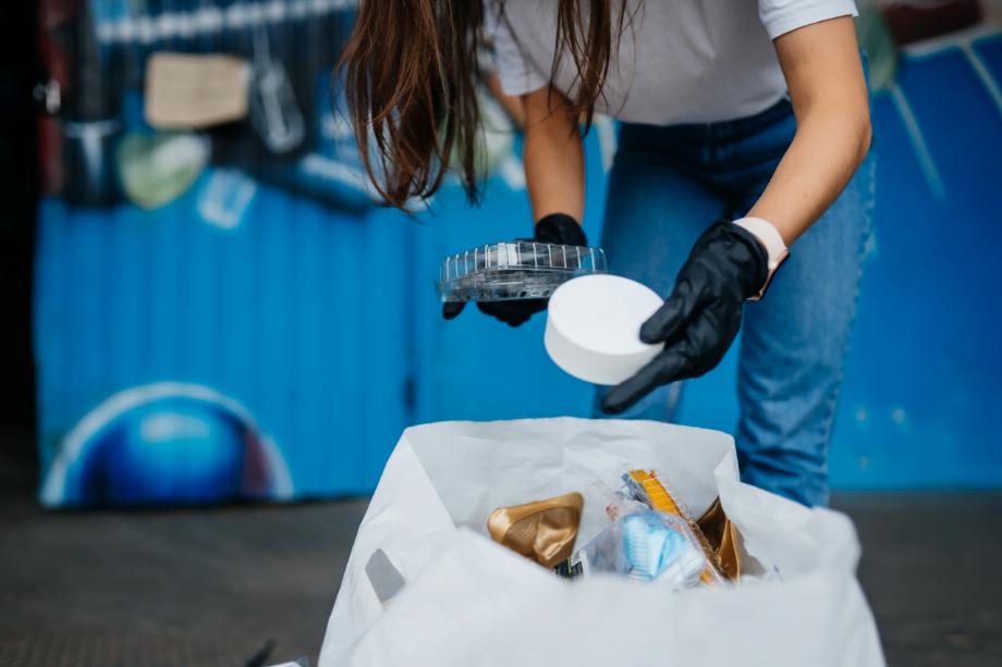 Modificación de la normativa relativa al traslado de raees aprobada por el real decreto 553/2020, de 2 de junio, por el que se regula el traslado de residuos en el interior del territorio del estado, Alcázar Abogados - Expertos reestructuraciones empresariales o societarias.