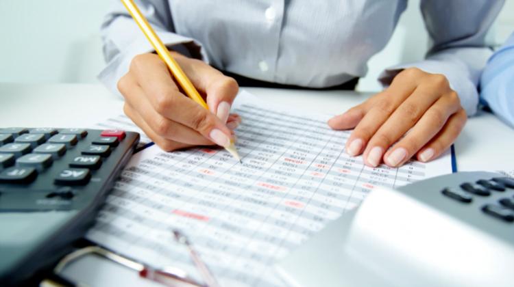 Principales novedades normativas en el ámbito fiscal para el 2021, Alcázar Abogados - Expertos reestructuraciones empresariales o societarias.